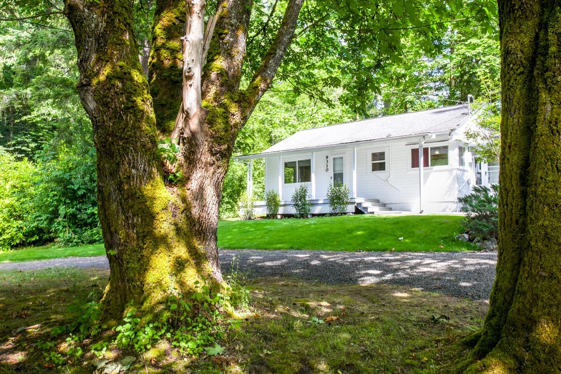 独户住宅 为 销售 在 One Level on Bainbridge Island 9310 Miller Rd NE 班布里奇岛, 华盛顿州, 98110 美国