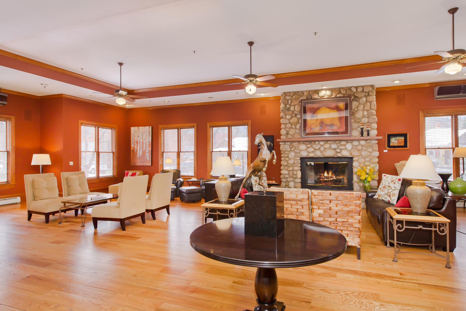 Additional photo for property listing at The Bradley Boulder Inn 2040 16th St Boulder, Colorado 80302 United States
