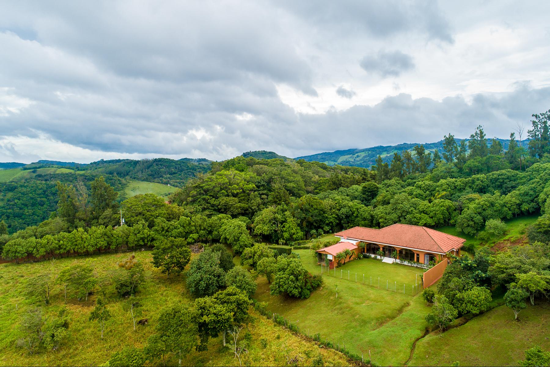 Single Family Homes для того Продажа на Monteverde Retreat Abangares, Гуанакасте Коста-Рика