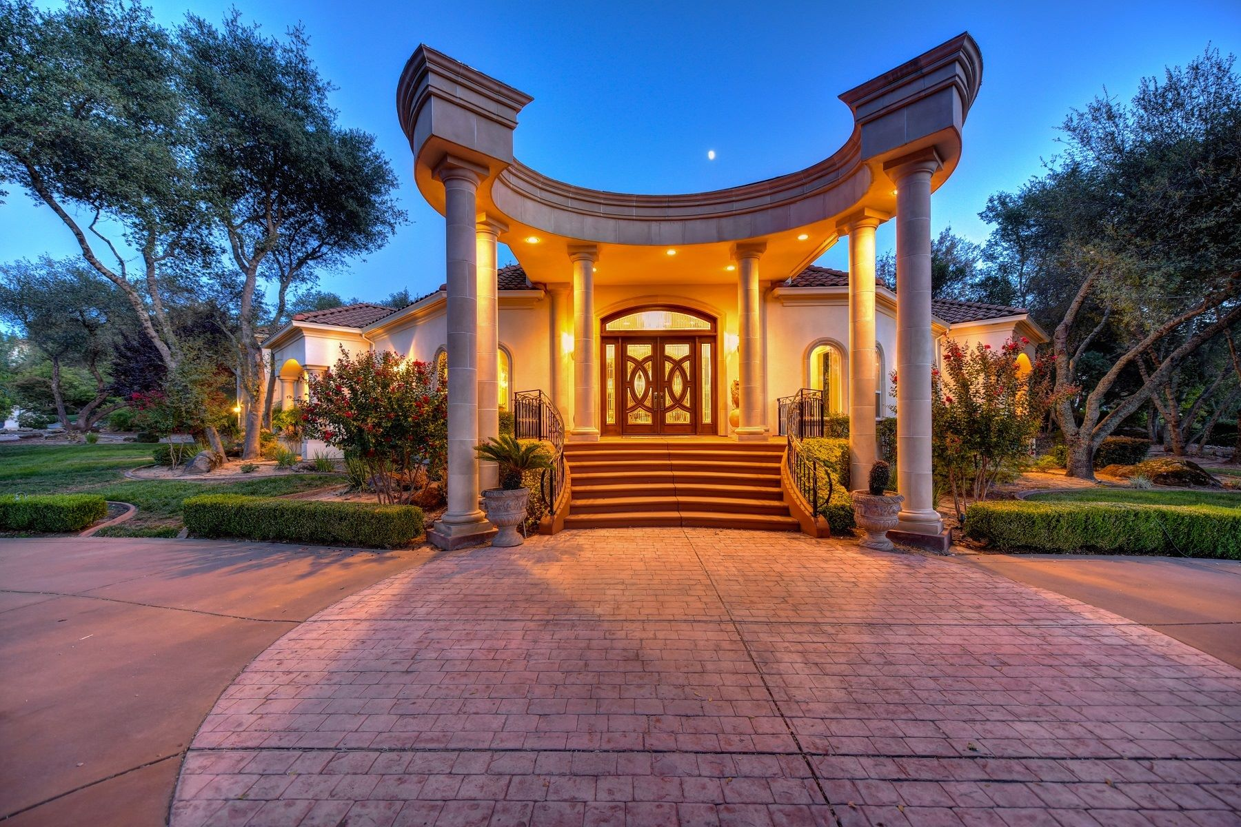 Single Family Home for Active at 8990 Camino Del Avion Granite Bay, California 95746 United States