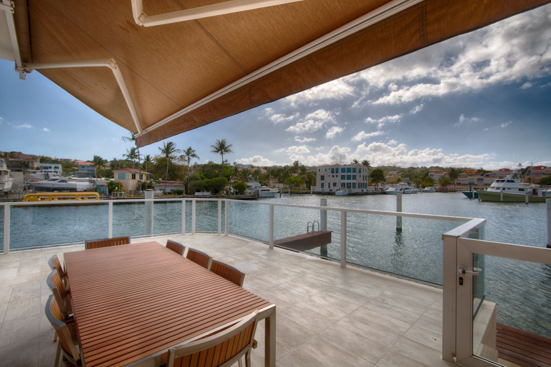 タウンハウス のために 賃貸 アット Modern Fully Furnished Villa on the Marina 40 Isla San Miguel San Miguel Island Palmas Del Mar, Puerto Rico 00791 プエルトリコ