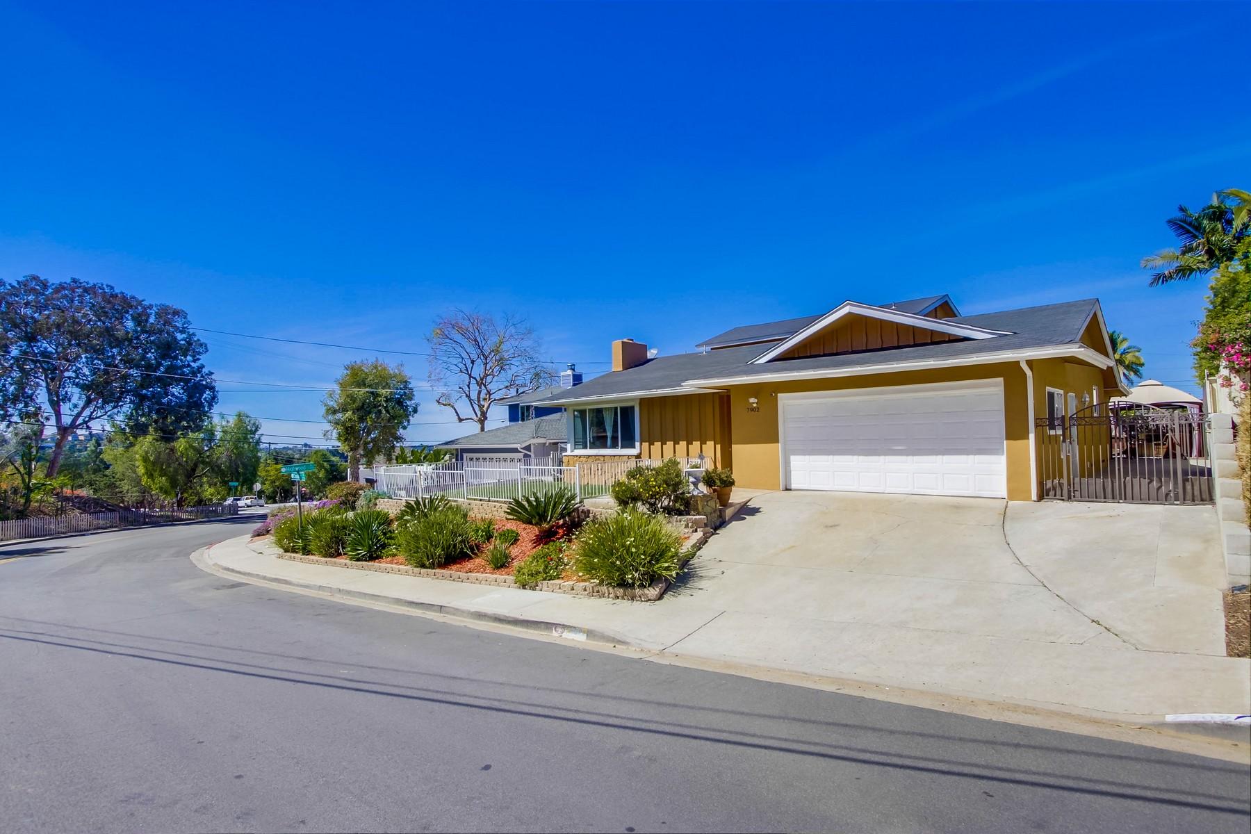 Casa Unifamiliar por un Venta en 7902 Cinnabar 7902 Cinnabar Drive La Mesa, California 91941 Estados Unidos