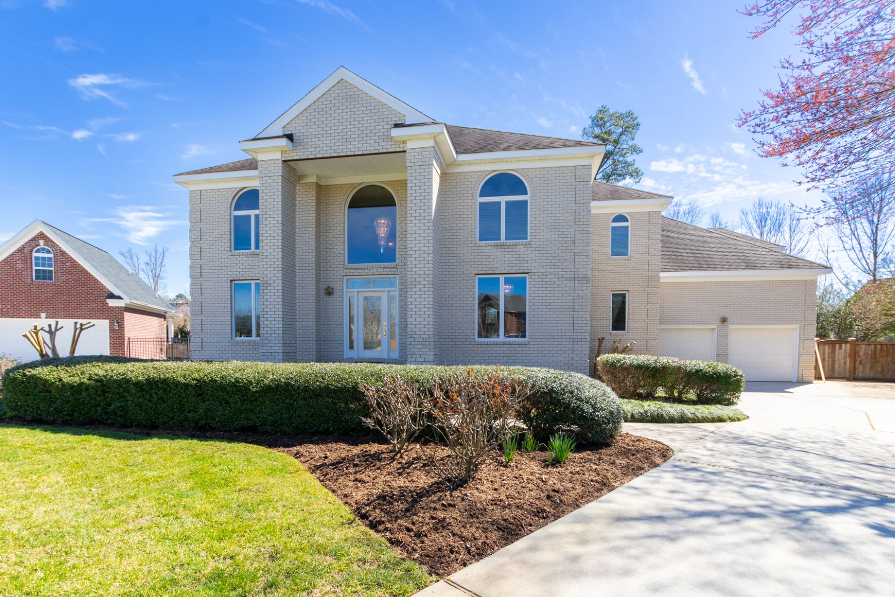 single family homes pour l Vente à WARRINGTON HALL 905 Walnut Neck Circle Chesapeake, Virginia 23320 États-Unis