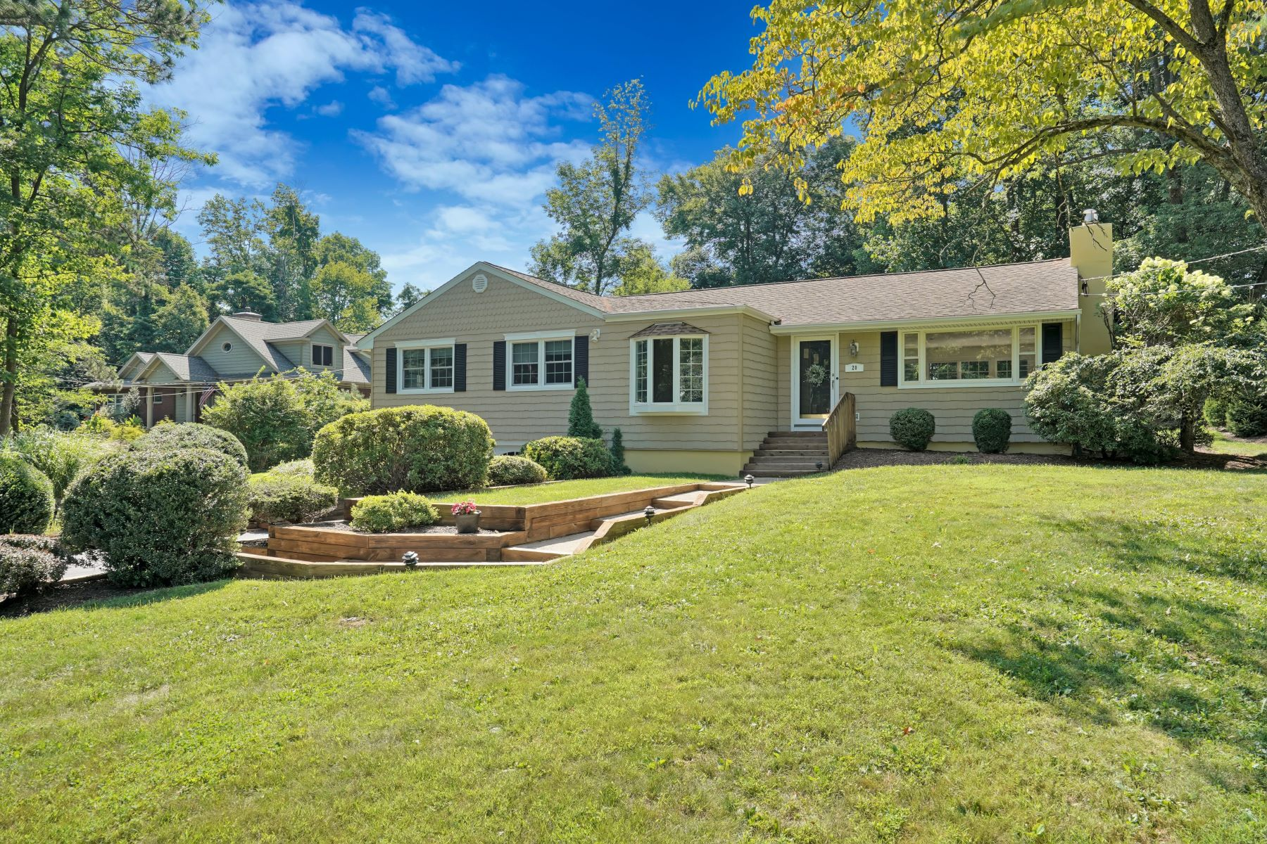 Single Family Homes for Active at Sun Drenched Beauty 20 Starlight Drive Morris Township, New Jersey 07960 United States