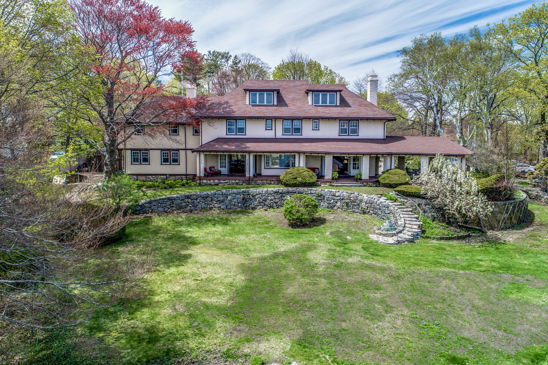 Casa Unifamiliar por un Venta en Sweeping Ocean View Manor 20 Souther Road Gloucester, Massachusetts, 01930 Estados Unidos