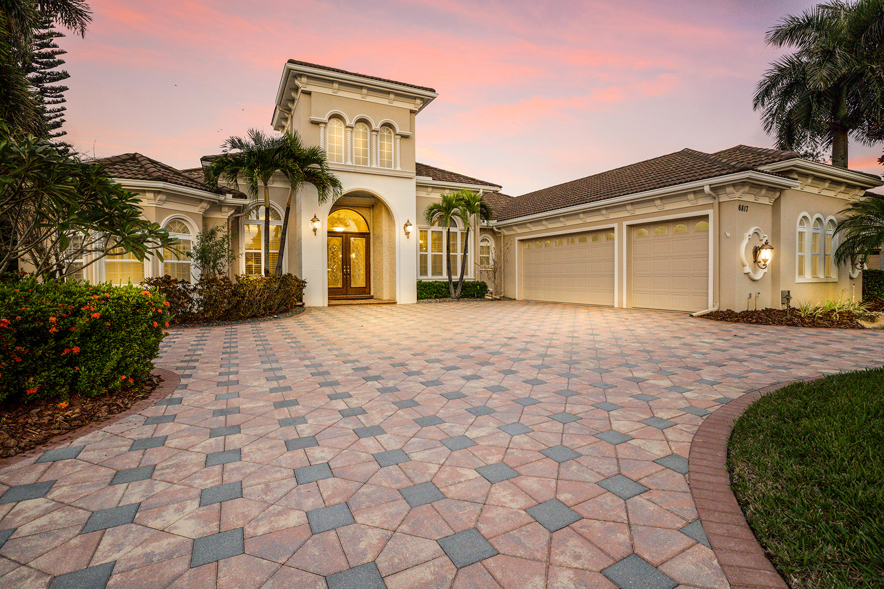 Single Family Homes for Sale at LAKEWOOD RANCH COUNTRY CLUB 6817 Dominion Ln, Lakewood Ranch, Florida 34202 United States