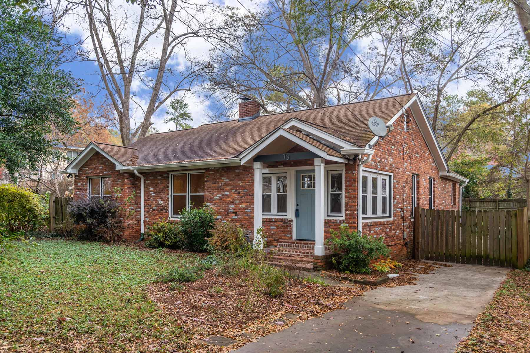Single Family Home for Sale at Charming East Lake All Brick Ranch with Back Yard Made For Entertaining! 73 Daniel Ave Atlanta, Georgia 30317 United States