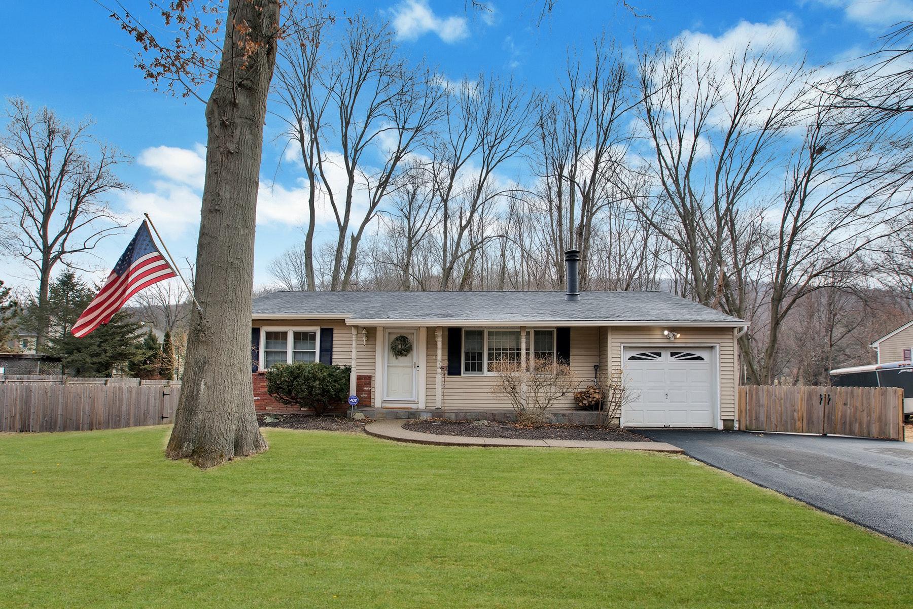 独户住宅 为 销售 在 Welcome Home 455 Conklintown Rd 令伍特, 新泽西州 07456 美国