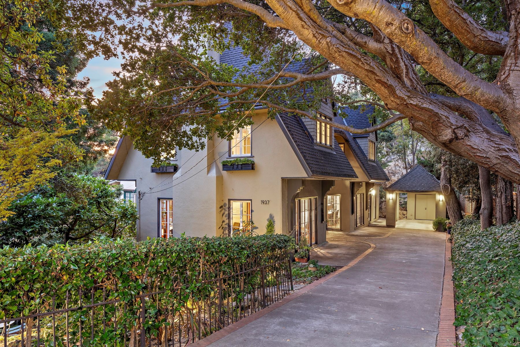 Single Family Homes for Sale at Enchanted Thousand Oaks Retreat 1937 Capistrano Avenue Berkeley, California 94707 United States