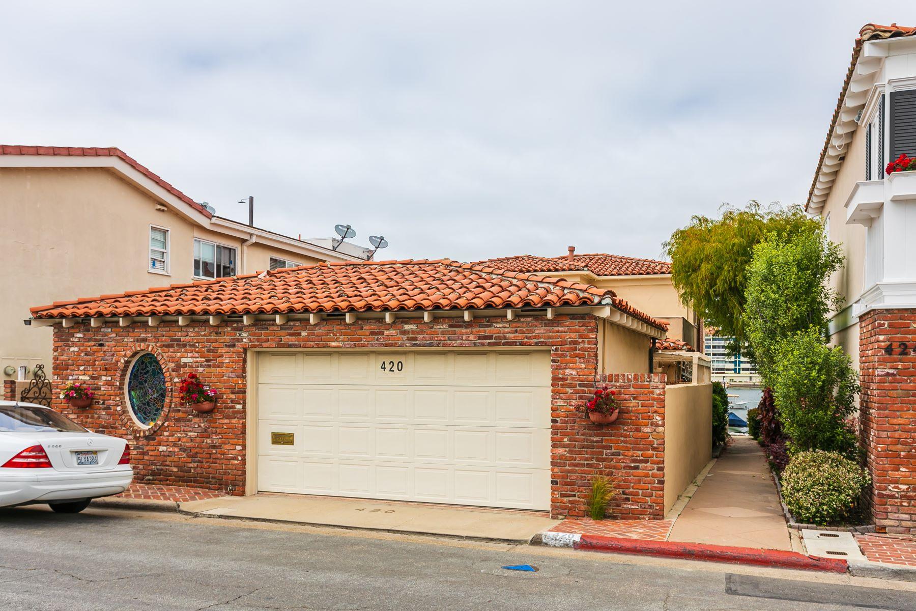 Single Family Homes por un Venta en 420 Via Lido Nord Newport Beach, California 92663 Estados Unidos