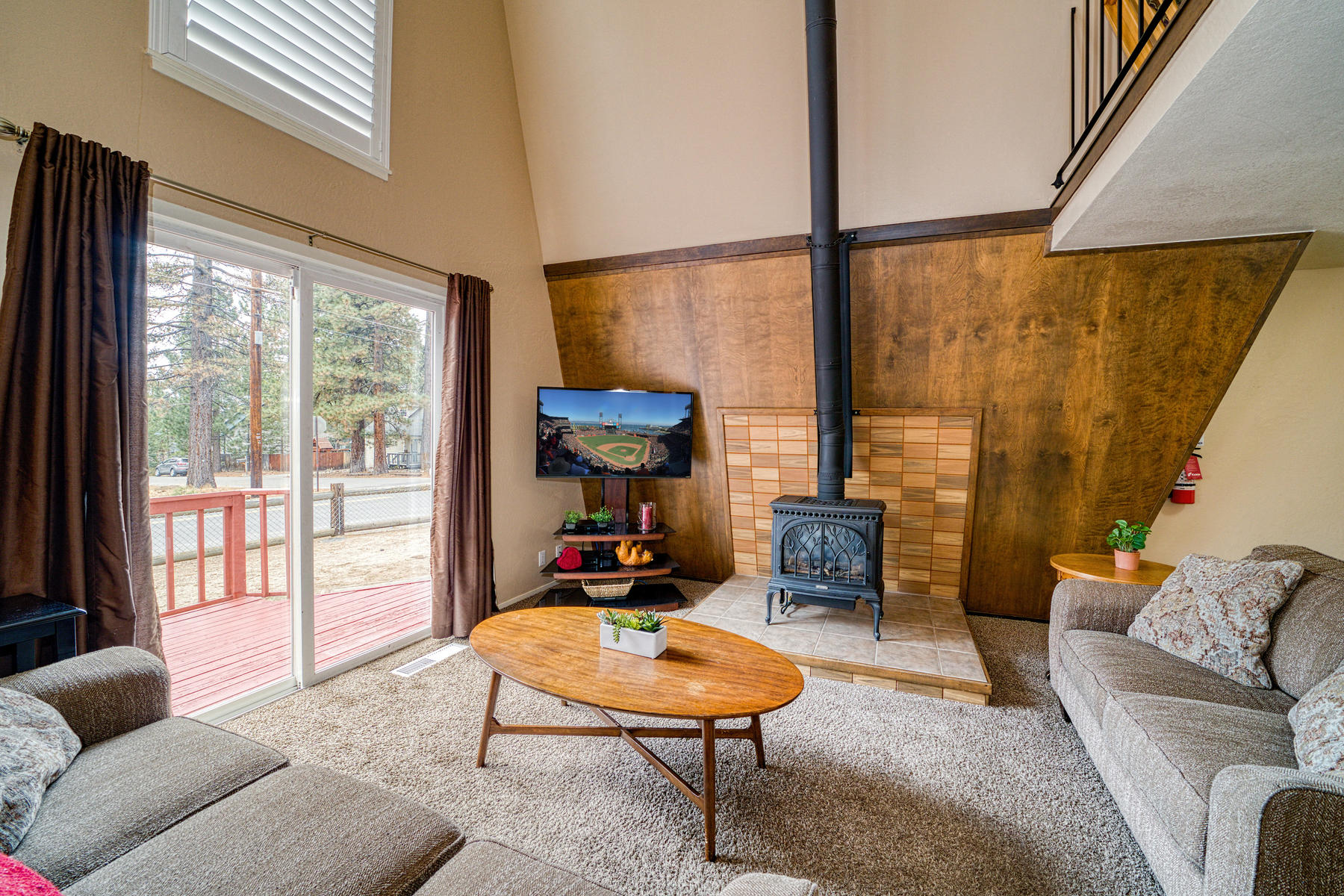 Additional photo for property listing at Al Tahoe Charmer 3046 Bellevue Ave South Lake Tahoe, California 96150 United States