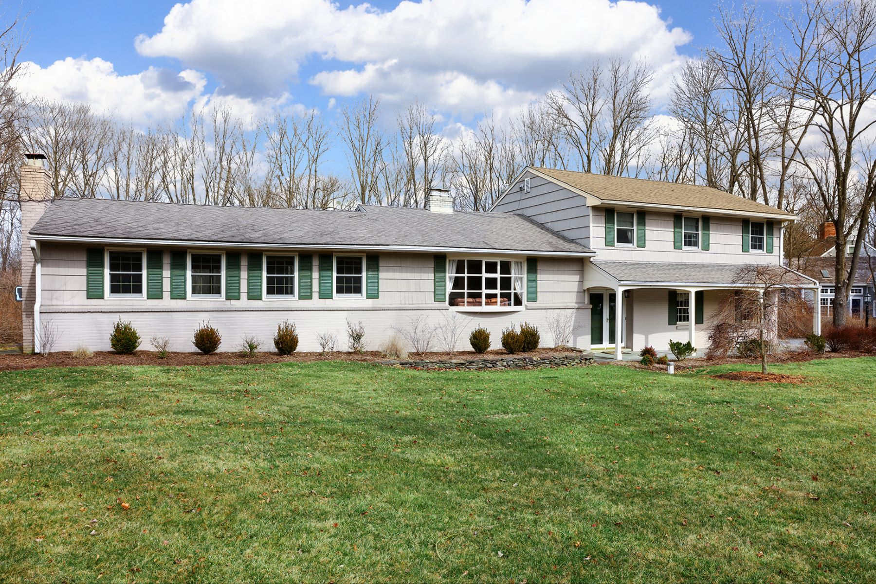 Einfamilienhaus für Verkauf beim Move Right In - Montgomery Township 30 Cherry Brook Drive Princeton, New Jersey, 08540 Vereinigte Staaten