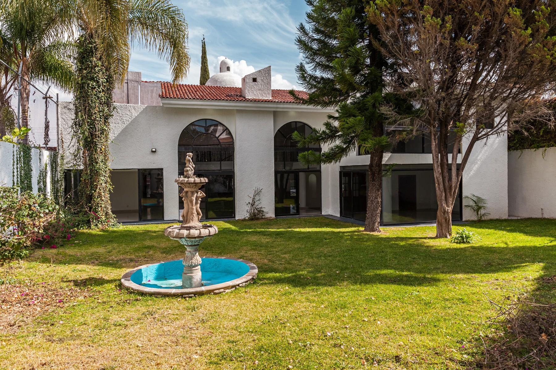 Additional photo for property listing at Residencia Paseo del Iris Zapopan, Jalisco Mexico