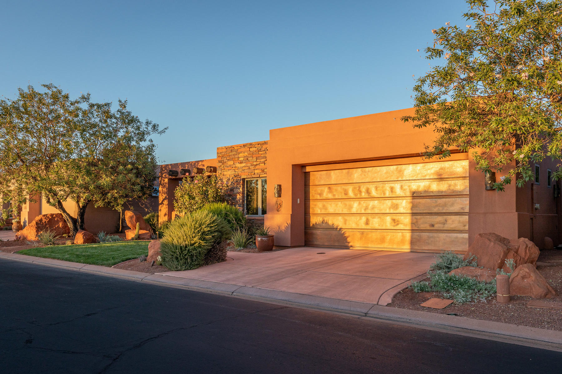 Single Family Homes for Sale at Serenity On The 7th Fairway 2410 W Entrada Trail #15, St. George, Utah 84770 United States