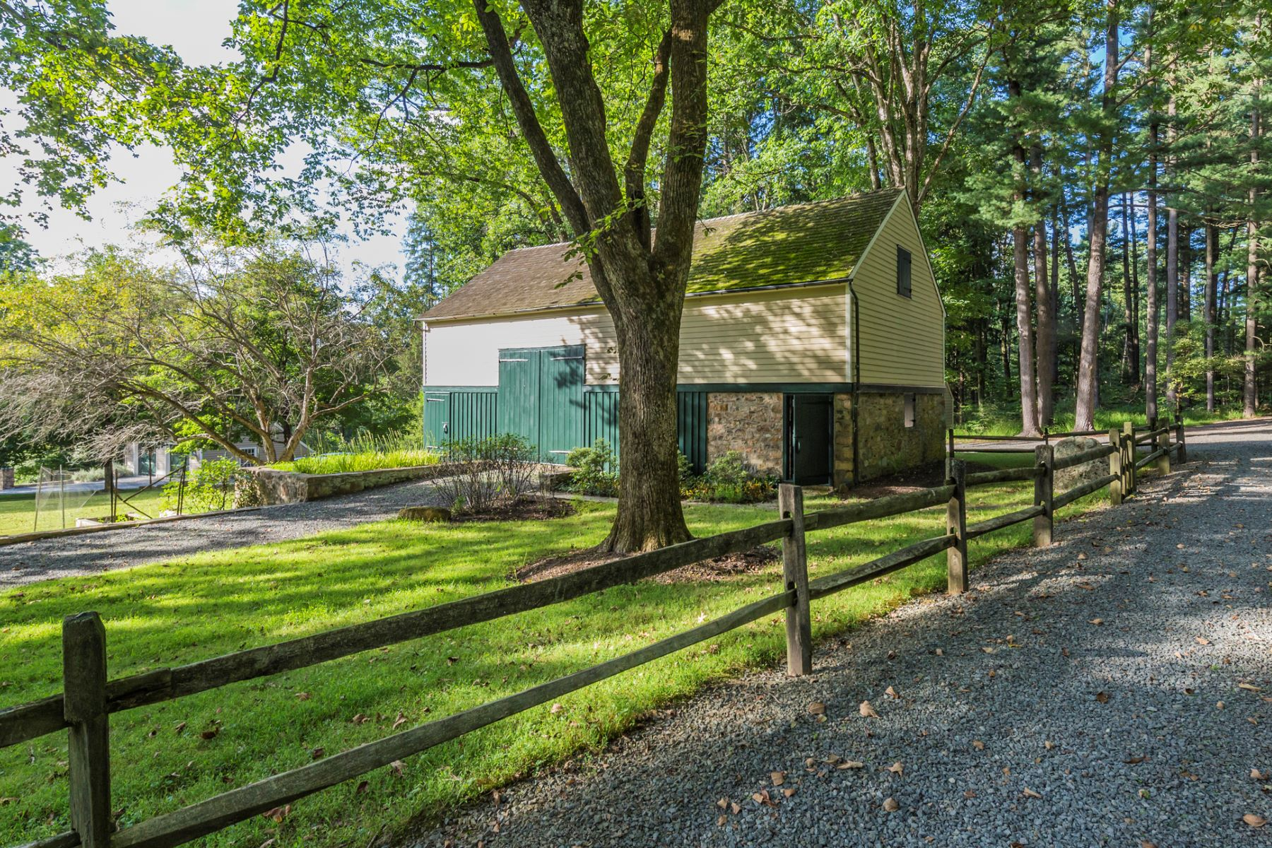 Additional photo for property listing at Circa 1760 Farmhouse is a 21st Century Beauty - Hopewell Township 175 Woosamonsa Road, Pennington, Νιου Τζερσεϋ 08534 Ηνωμένες Πολιτείες