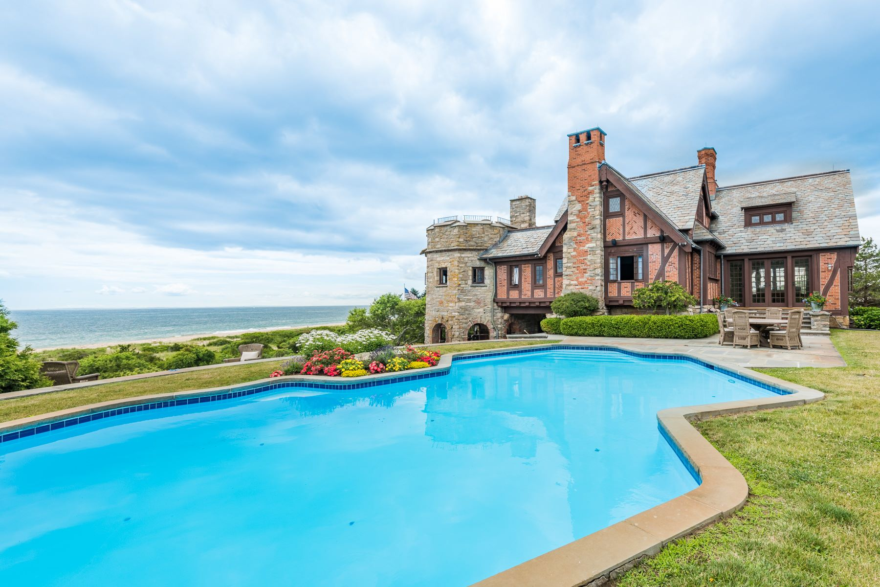 واحد منزل الأسرة للـ Rent في The Timbers 19-23 Ocean View Highway Westerly, Rhode Island 02891 United States