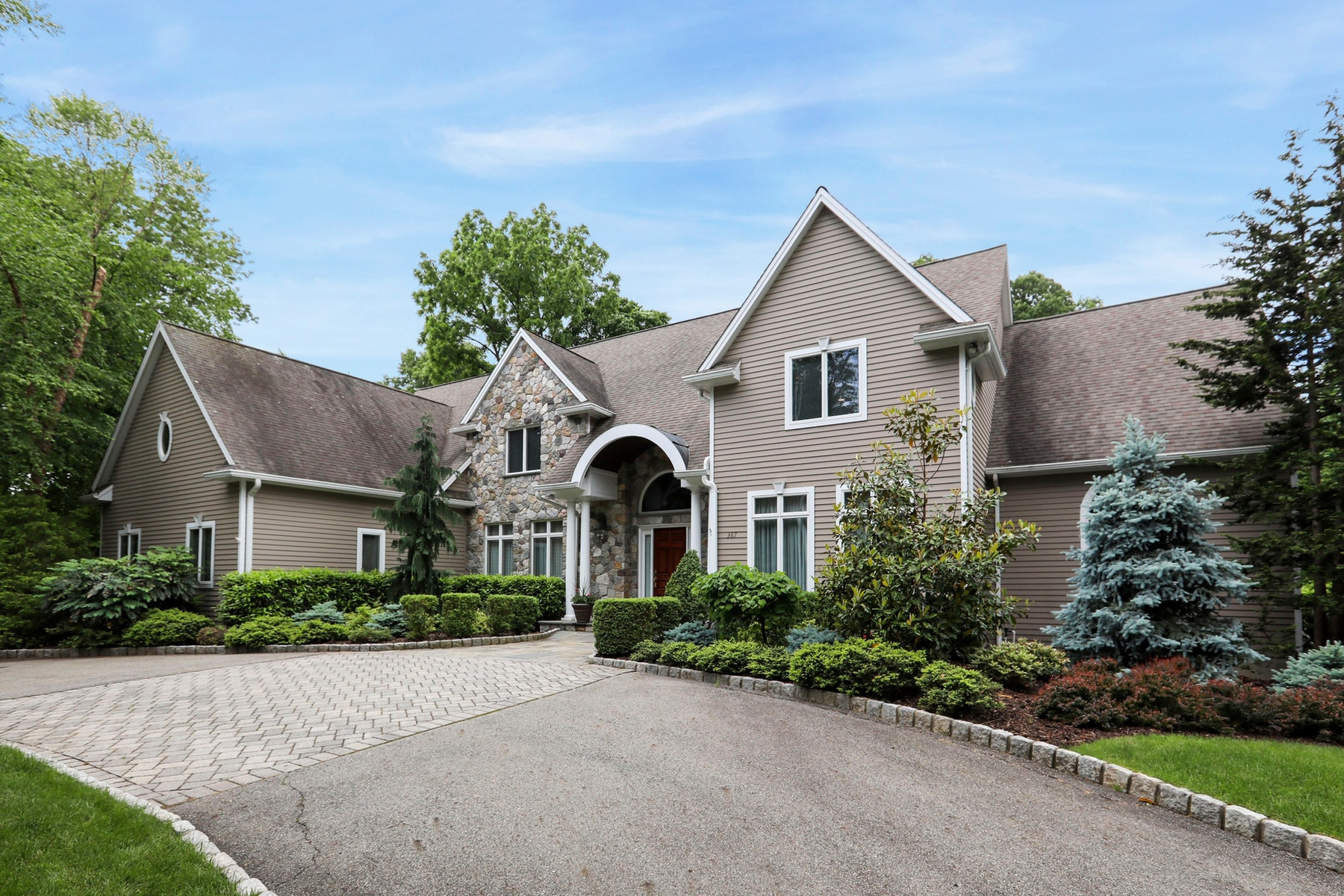Single Family Home for Sale at Cedar & Stone Beauty ! 387 Wearimus Rd, Ho Ho Kus, New Jersey 07423 United States