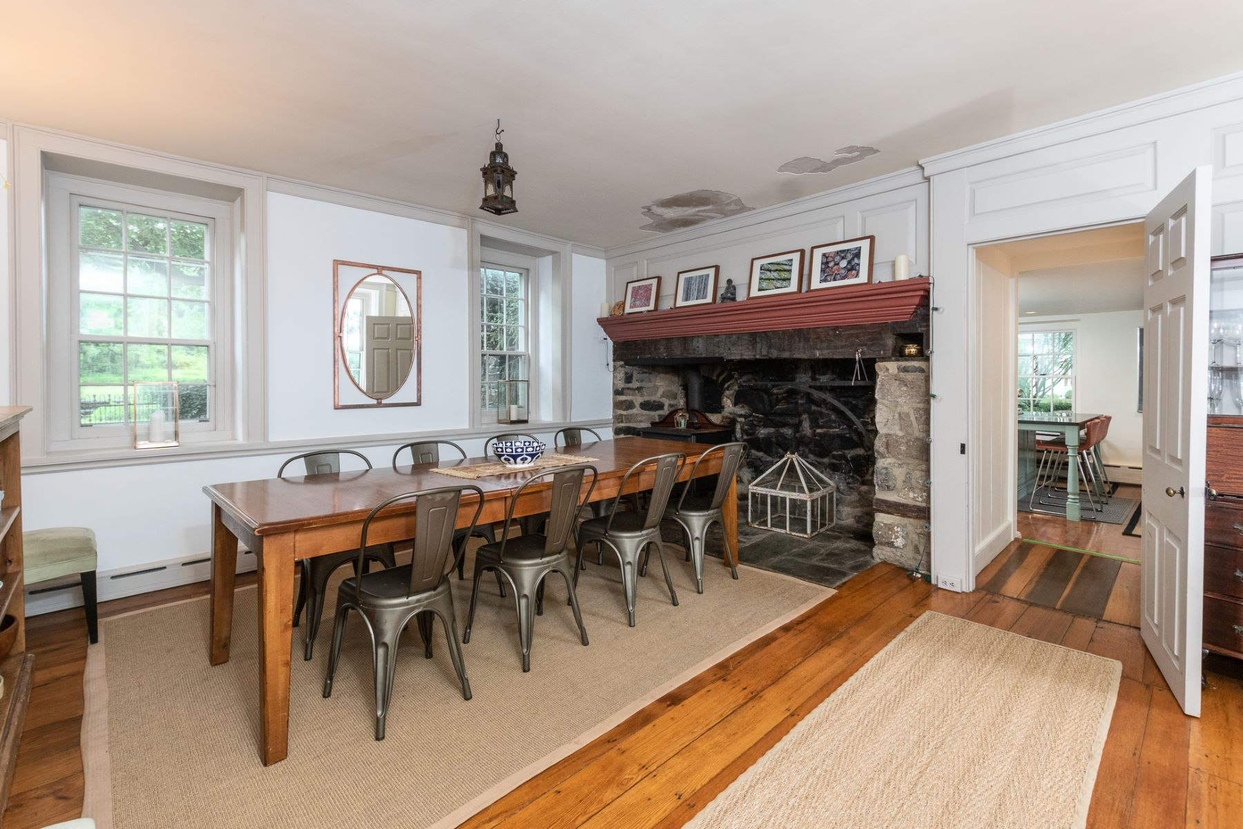 Additional photo for property listing at Lovely Bucks County Stone Farmhouse for Rent 5736 Stoney Hill Road Main House, New Hope, Pennsylvania 18938 United States