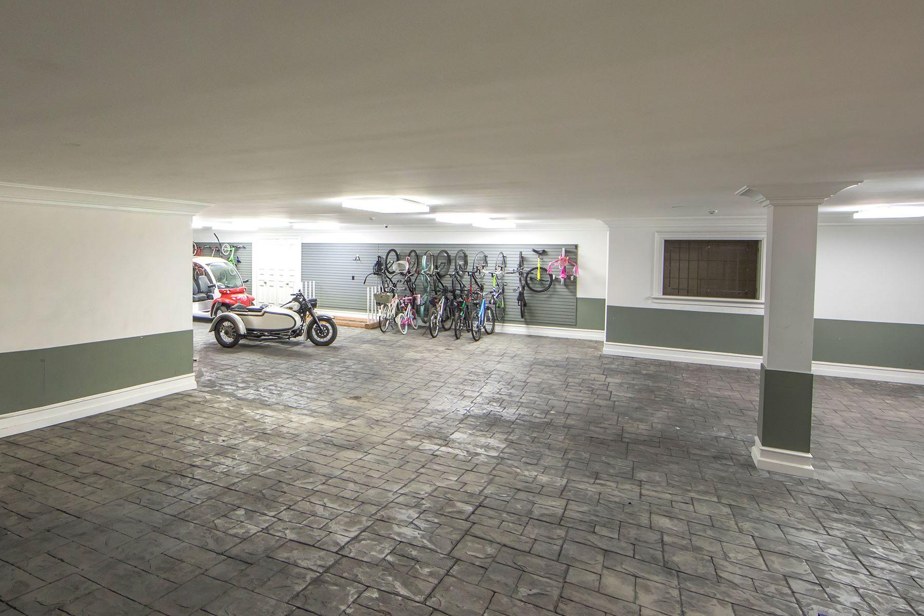 Additional photo for property listing at 18 Harbor Island Newport Beach, California 92660 Estados Unidos