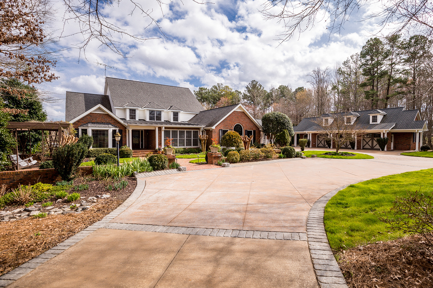 Single Family Homes for Active at Picturesque Gated Property With Rolling Pastures Just South of Atlanta 129 Mattox Rd Newnan, Georgia 30263 United States