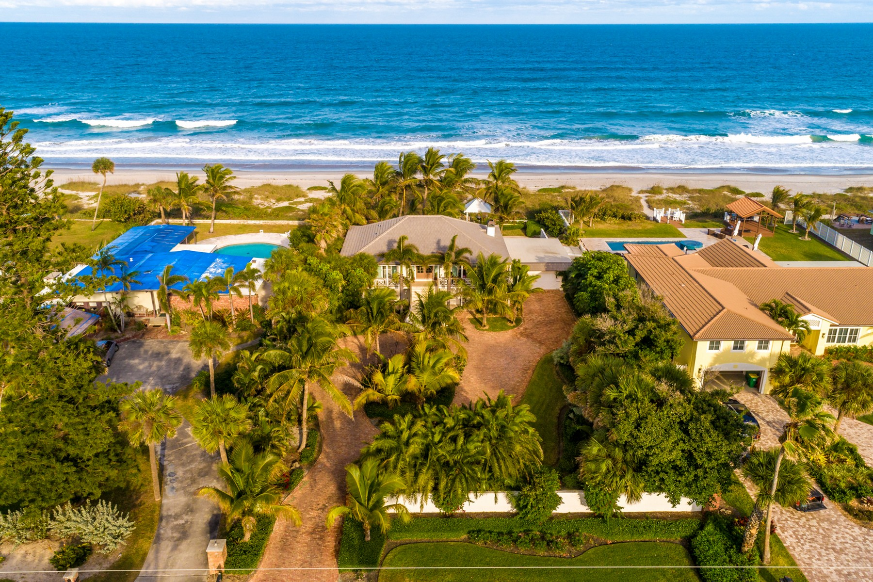 Additional photo for property listing at Beautiful Oceanfront estate property in rarely available Indialantic by the Sea. 1517 S Miramar Avenue Indialantic, Флорида 32903 Соединенные Штаты