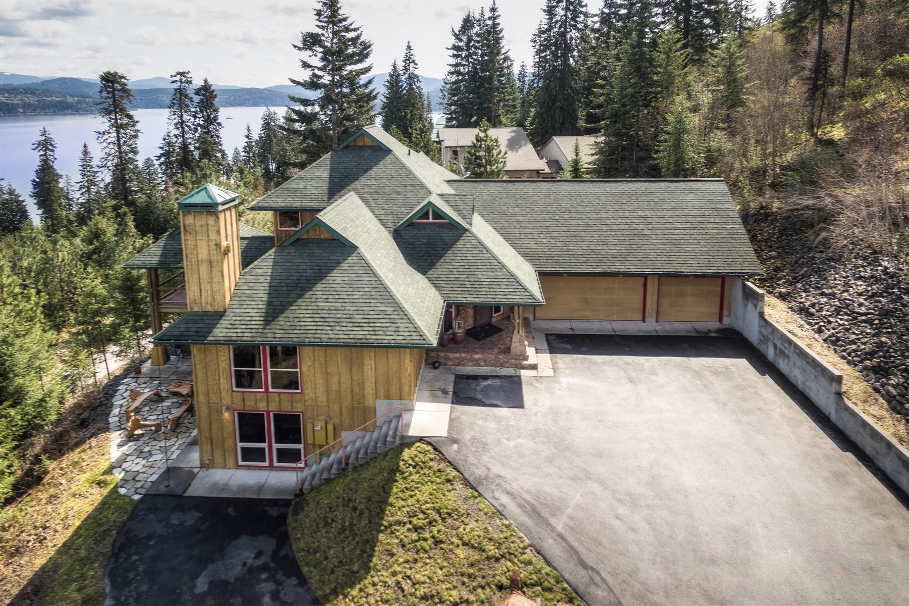 Villa per Vendita alle ore ARTFULLY DESIGNED home boasting magnificent 180' Coeur d' Alene LAKE VIEWS! 3577 S Capeview Ct, Coeur D Alene, Idaho, 83814 Stati Uniti