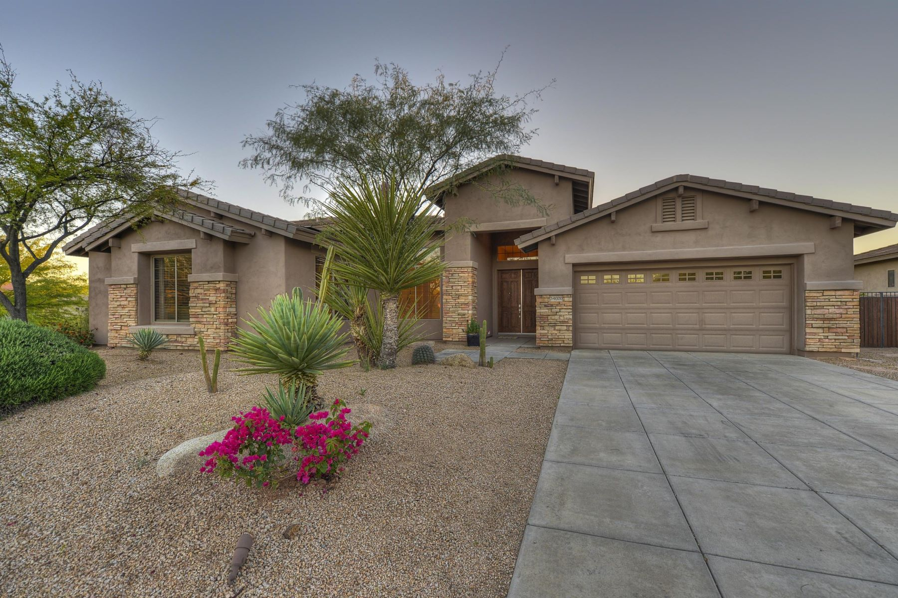 Single Family Home for Rent at Fabulous single level home in Los Alisos 34020 N 59th Pl Scottsdale, Arizona 85266 United States