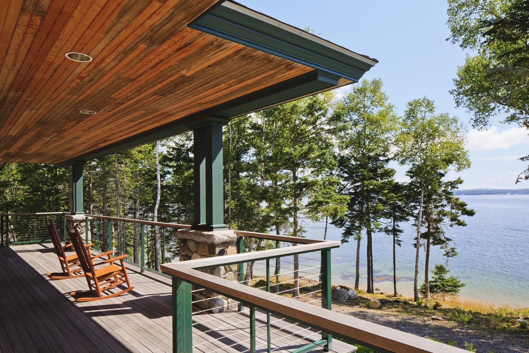独户住宅 为 销售 在 Beach House 468-B Reach Road 鹿岛, 缅因州, 04627 美国