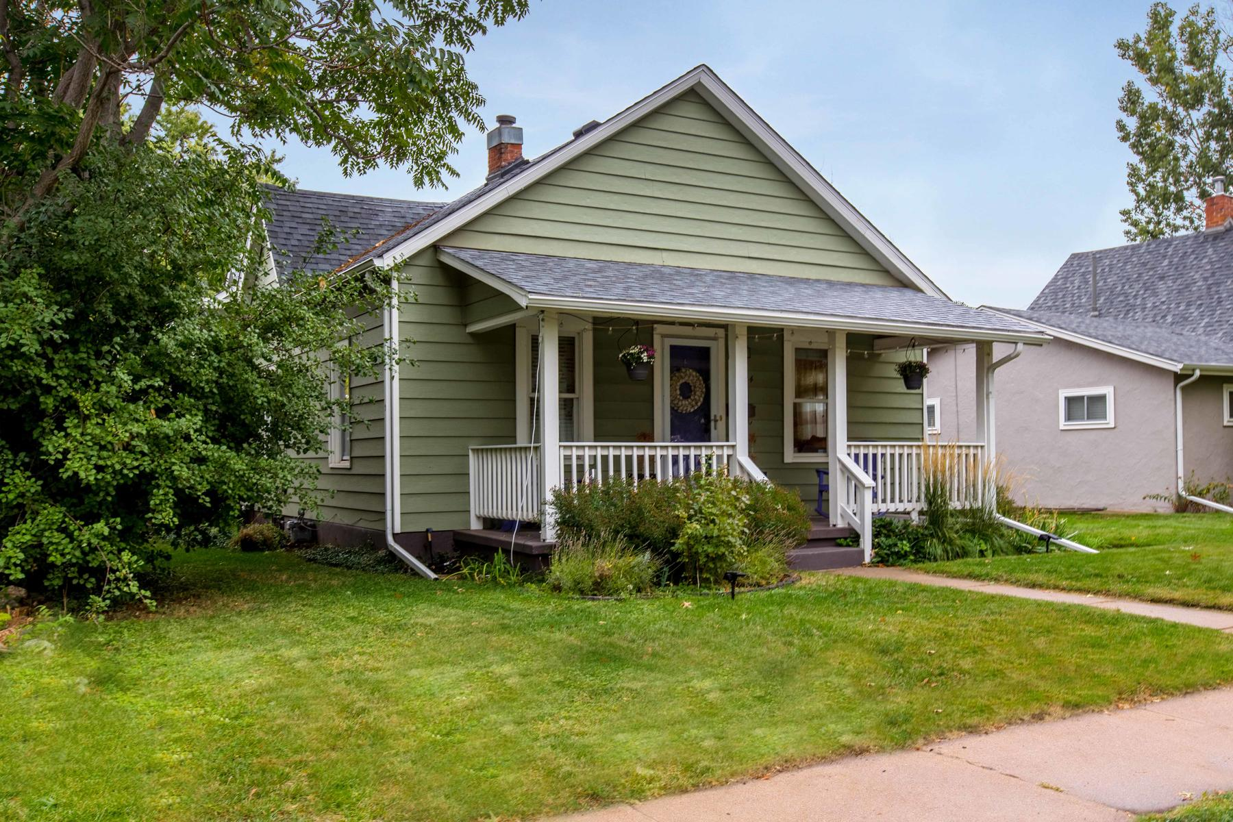 Single Family Home for Active at This is the meticulously updated Regis/Berkeley home you've been awaiting 4954 Newton Street Denver, Colorado 80221 United States