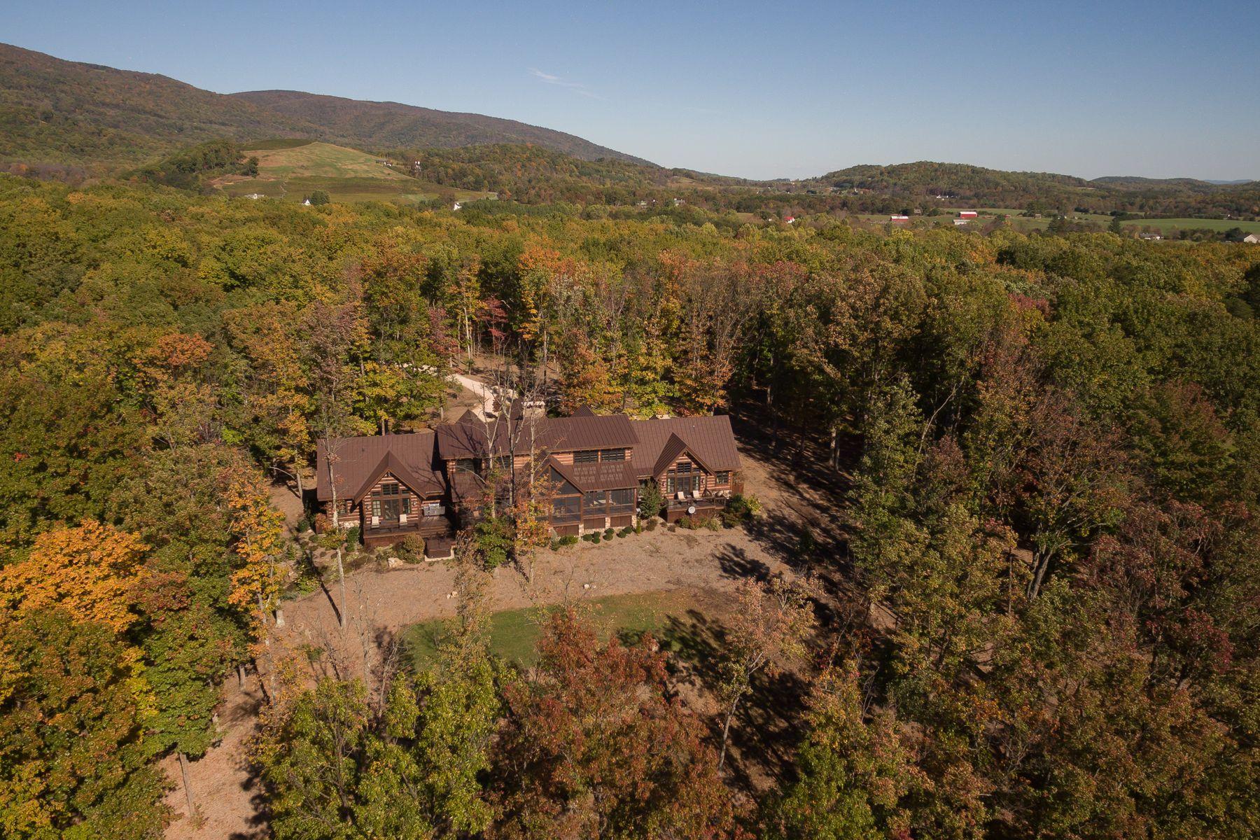 Maison unifamiliale pour l à vendre à Rockfish 571 Williams Creek, Afton, Virginia, 22902 États-Unis