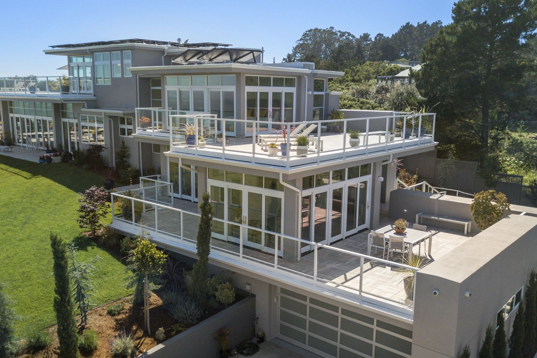 Additional photo for property listing at One of a Kind Coastal Estate 36 Starbuck Drive Muir Beach, California 94965 United States