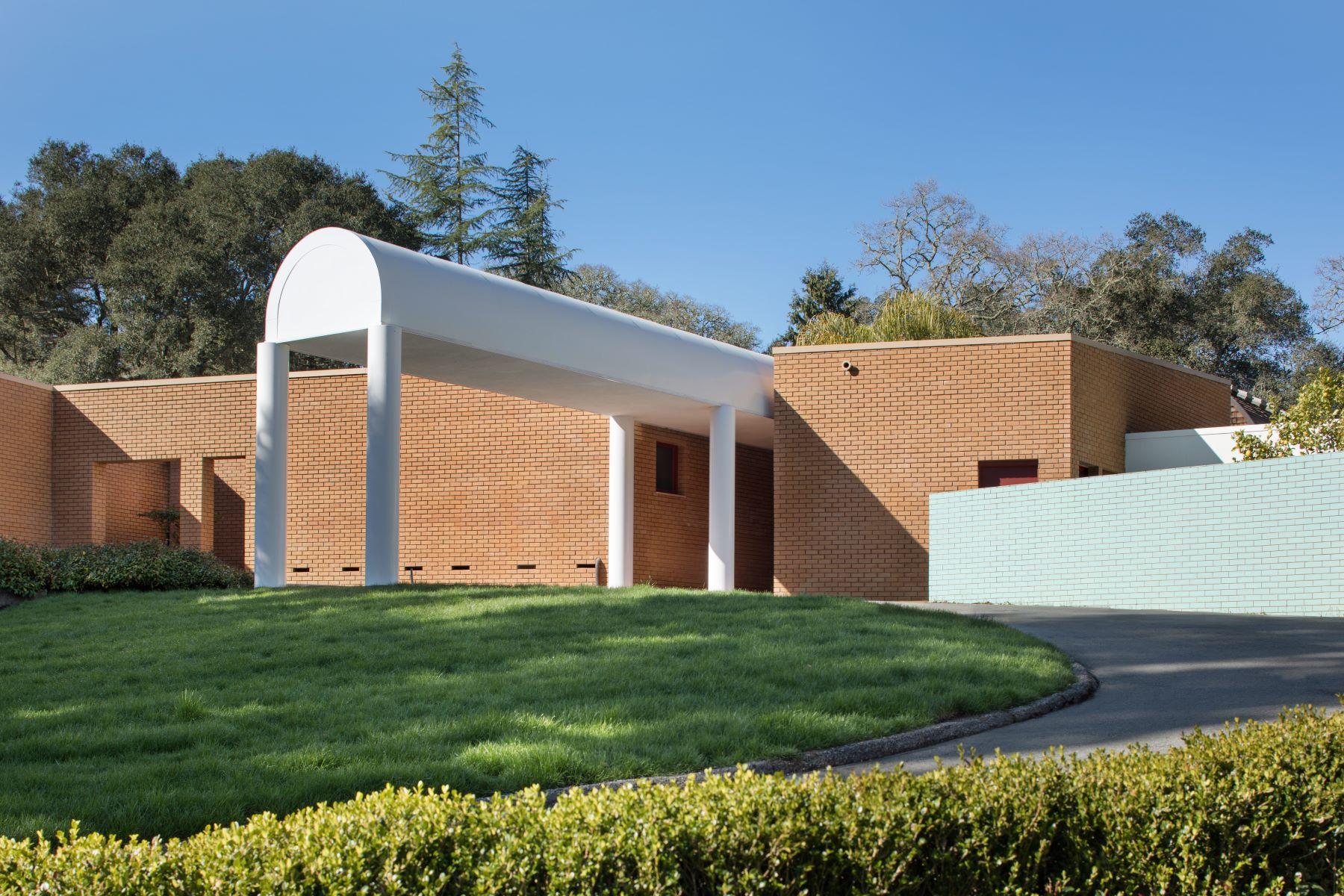 Maison unifamiliale pour l Vente à Post Modern Masterpiece 1250 Canada Road Woodside, Californie 94062 États-Unis