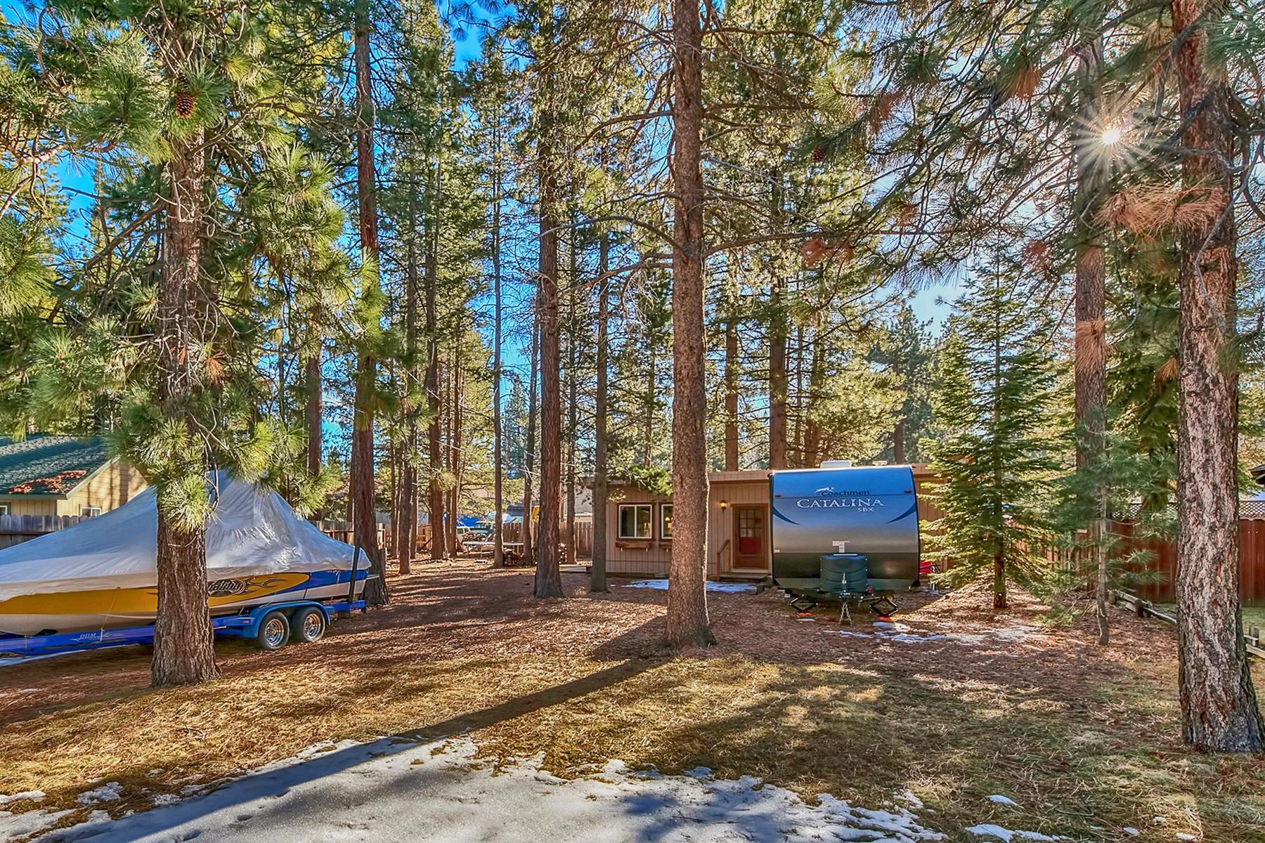 Additional photo for property listing at 926 Patricia Lane, South Lake Tahoe, CA 96150 926 Patricia Lane South Lake Tahoe, California 96150 United States