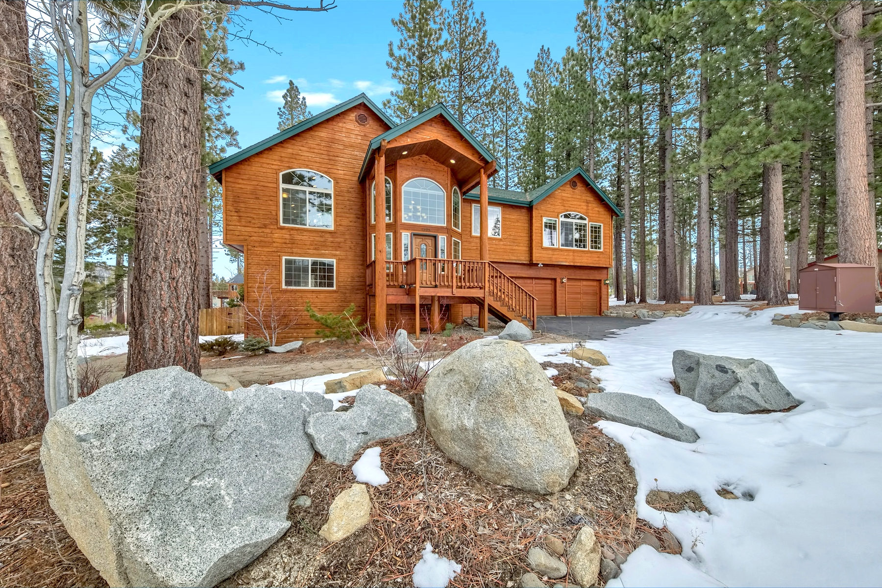 Single Family Home for Active at 1395 Mount Rainier, South Lake Tahoe, CA 96150 1395 Mount Rainier Drive South Lake Tahoe, California 96150 United States