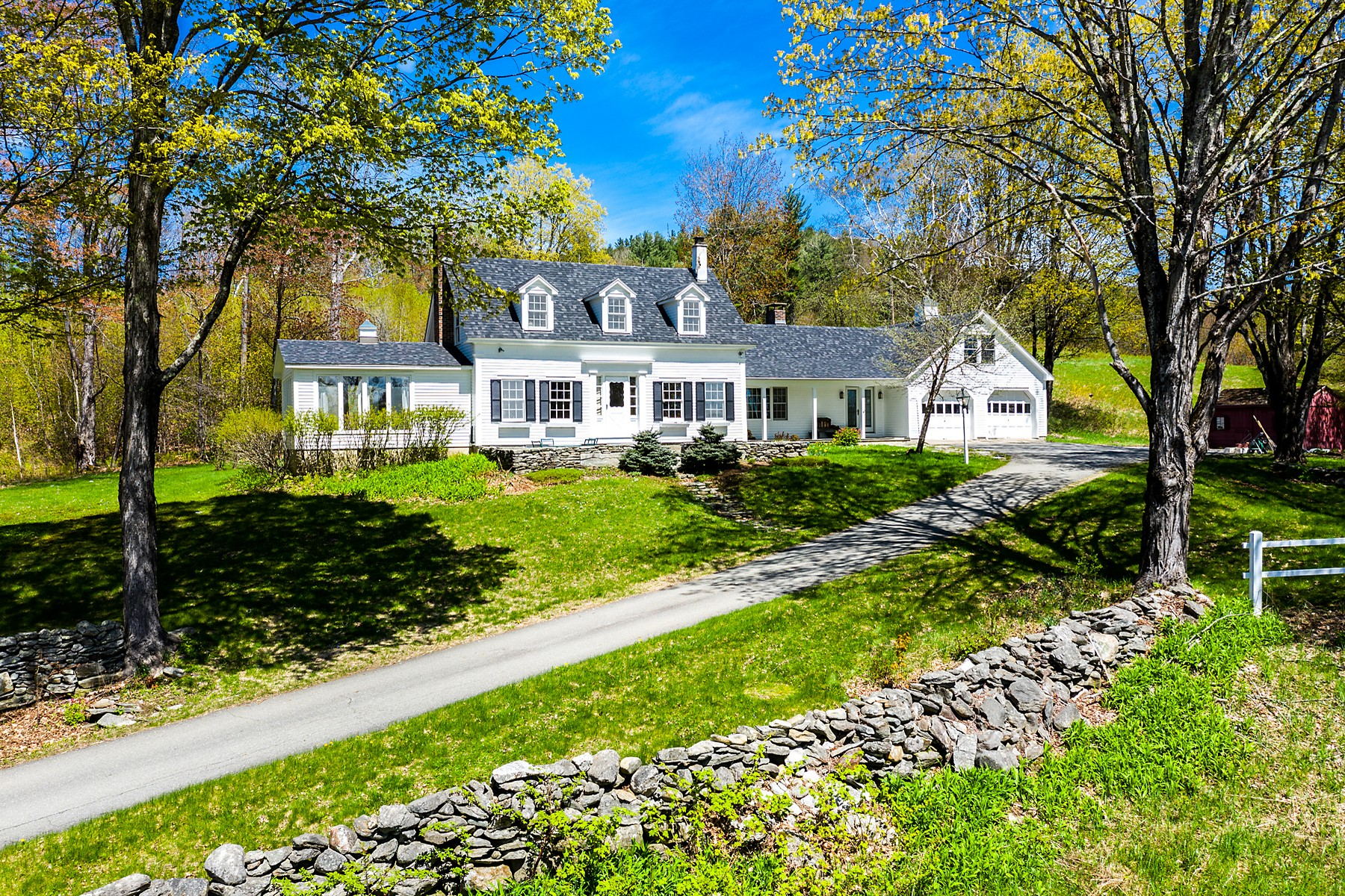 Single Family Homes for Sale at 336 Gale Road, Townshend 336 Gale Rd Townshend, Vermont 05353 United States