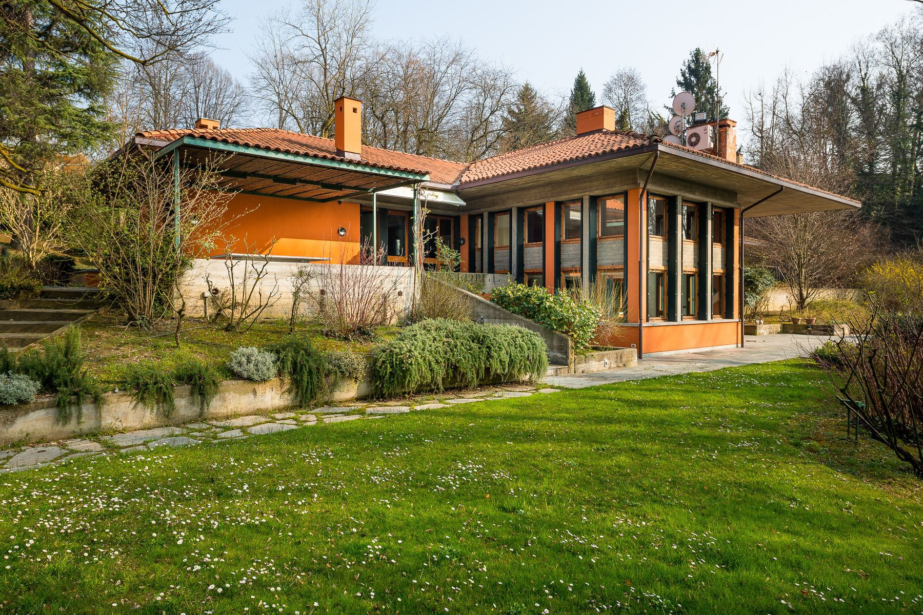 Single Family Home for Sale at Prestigious villa inspired by Frank Lloyd Wright Strada Del Ponte Isabella A San Vito Torino, 10133 Italy