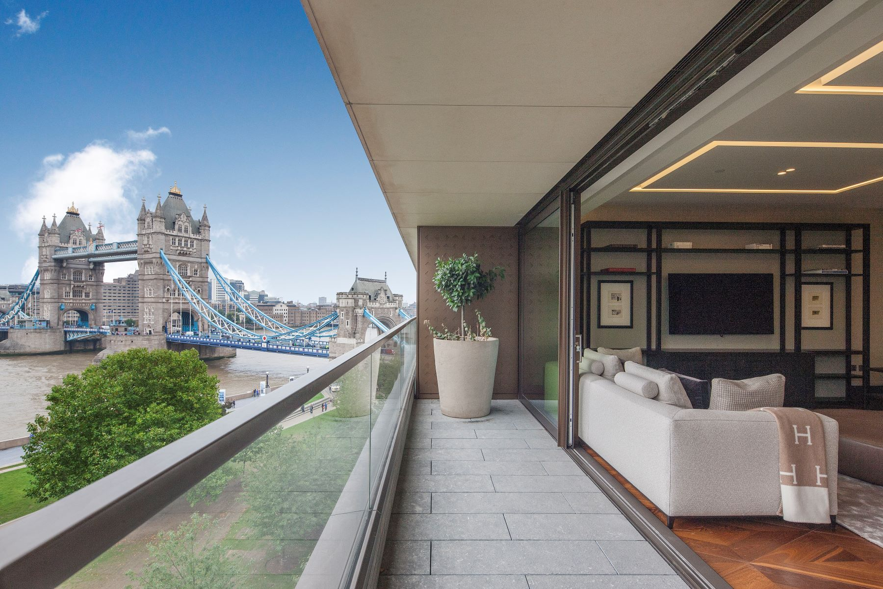 Apartments per Vendita alle ore Blenheim House, One Tower Bridge Blenheim House Crown Square Londra, Inghilterra SE1 2AA Regno Unito
