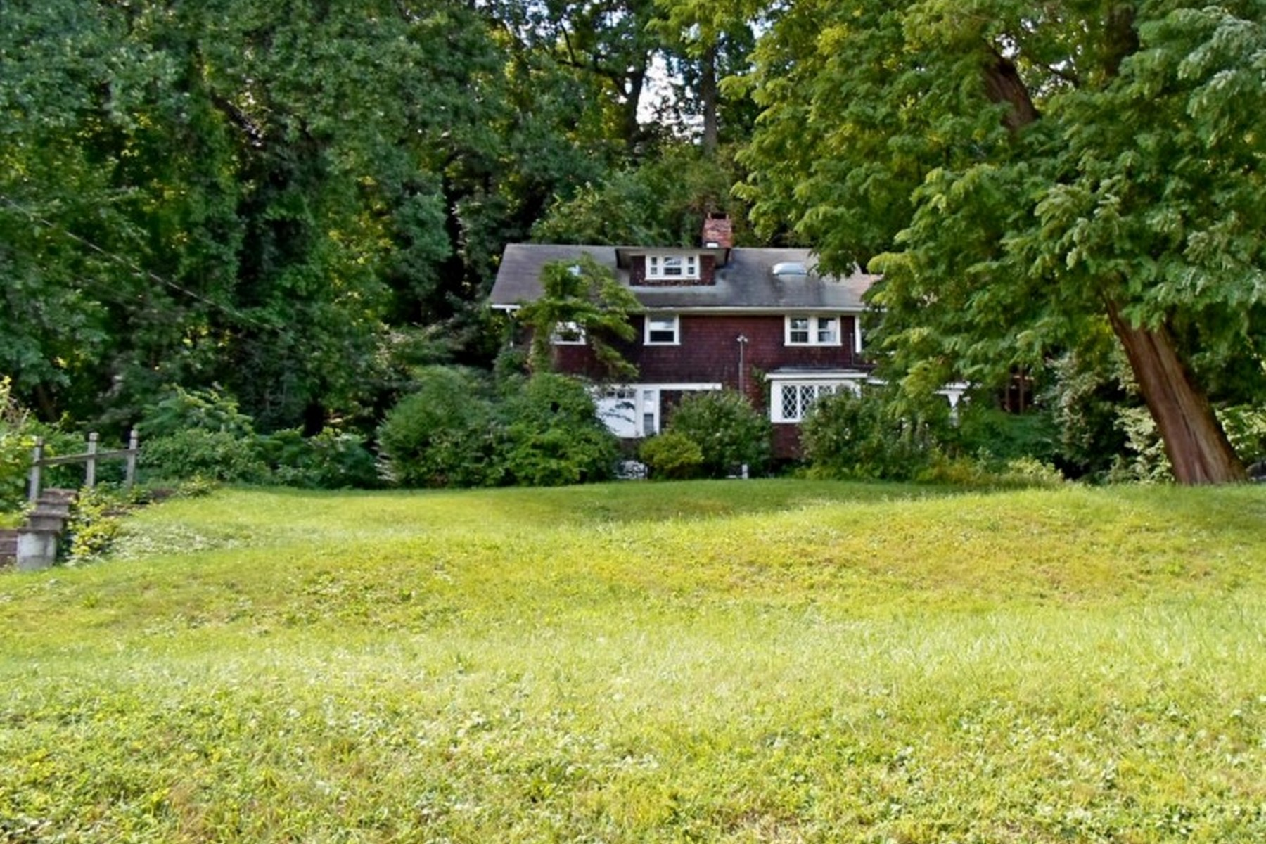 Single Family Home for Sale at Spectacular Setting 303 River Rd. Grandview, New York 10960 United States