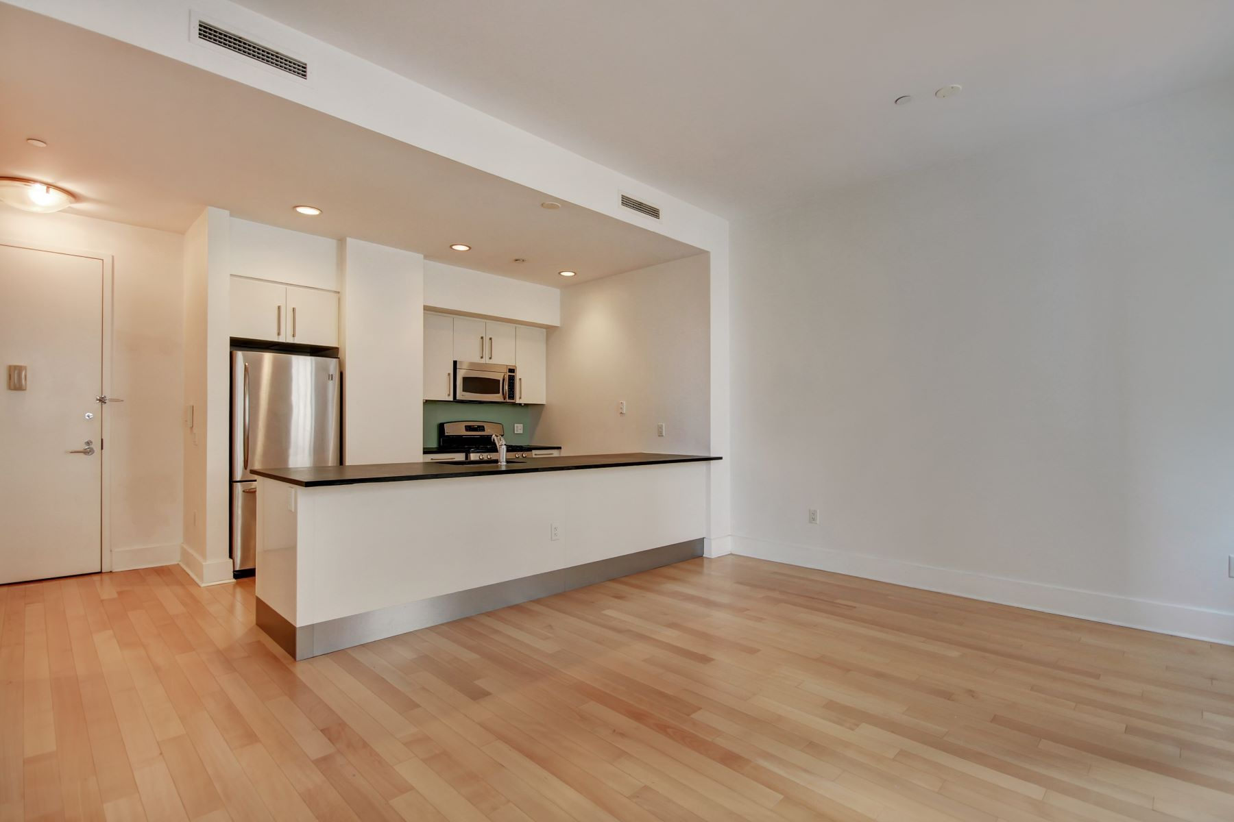 Condominium for Rent at THE BEACON 1BR + PATH Shuttle 4 Beacon Way #604 Jersey City, New Jersey 07304 United States
