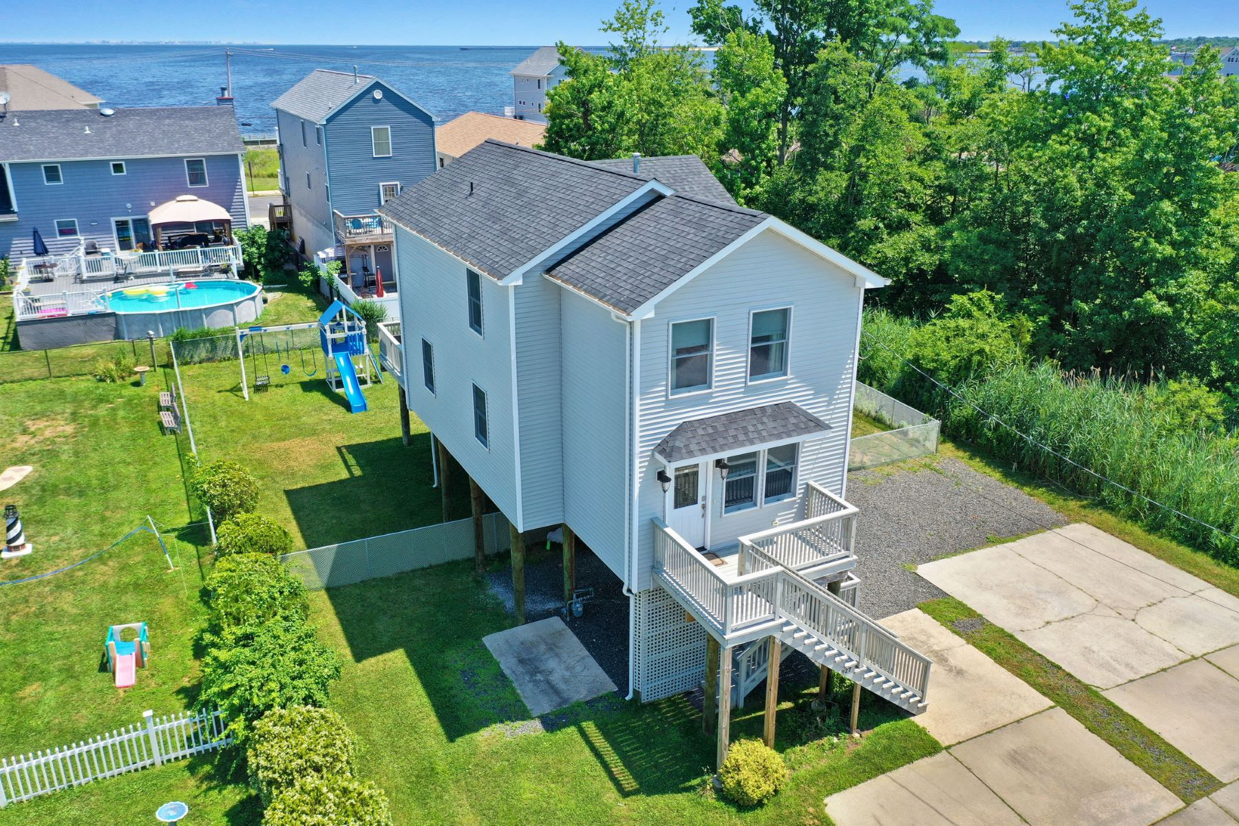 Single Family Homes for Sale at Oversized Yard 927 2nd Street, Union Beach, New Jersey 07735 United States