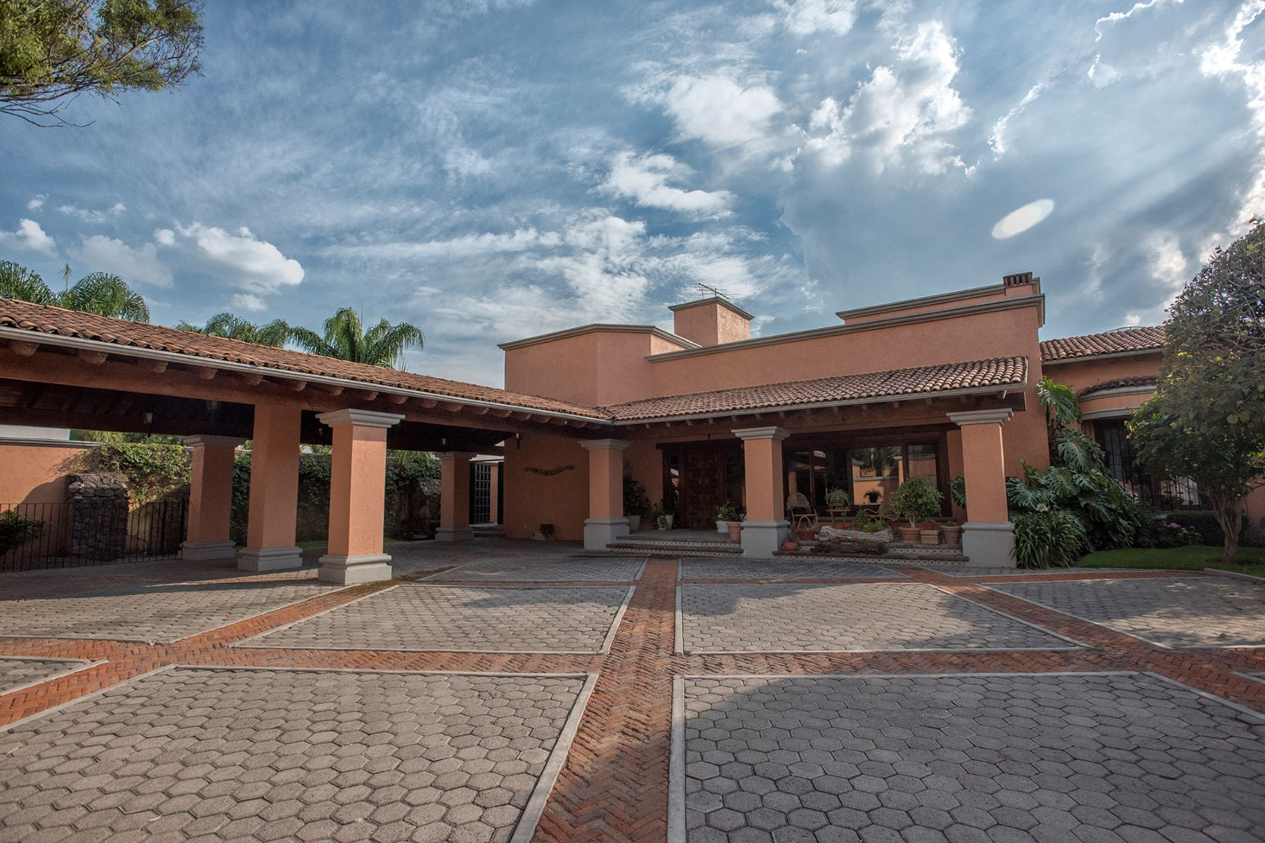 Single Family Home for Sale at Casa la Traviesa Queretaro, Queretaro, 76100 Mexico