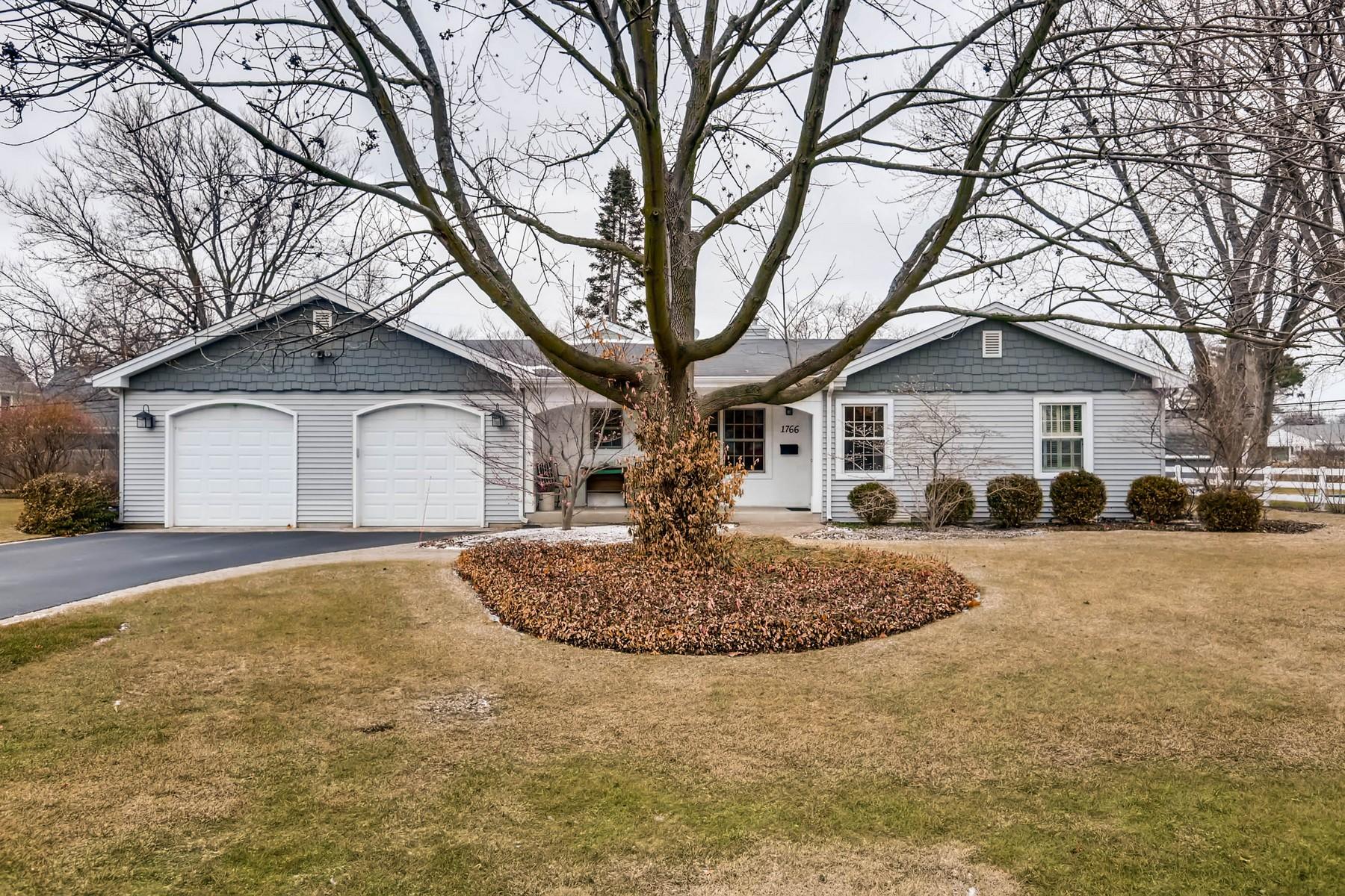 独户住宅 为 销售 在 Amazing Expanded Ranch 1766 Central Road, 格伦维尤, 伊利诺斯州, 60025 美国