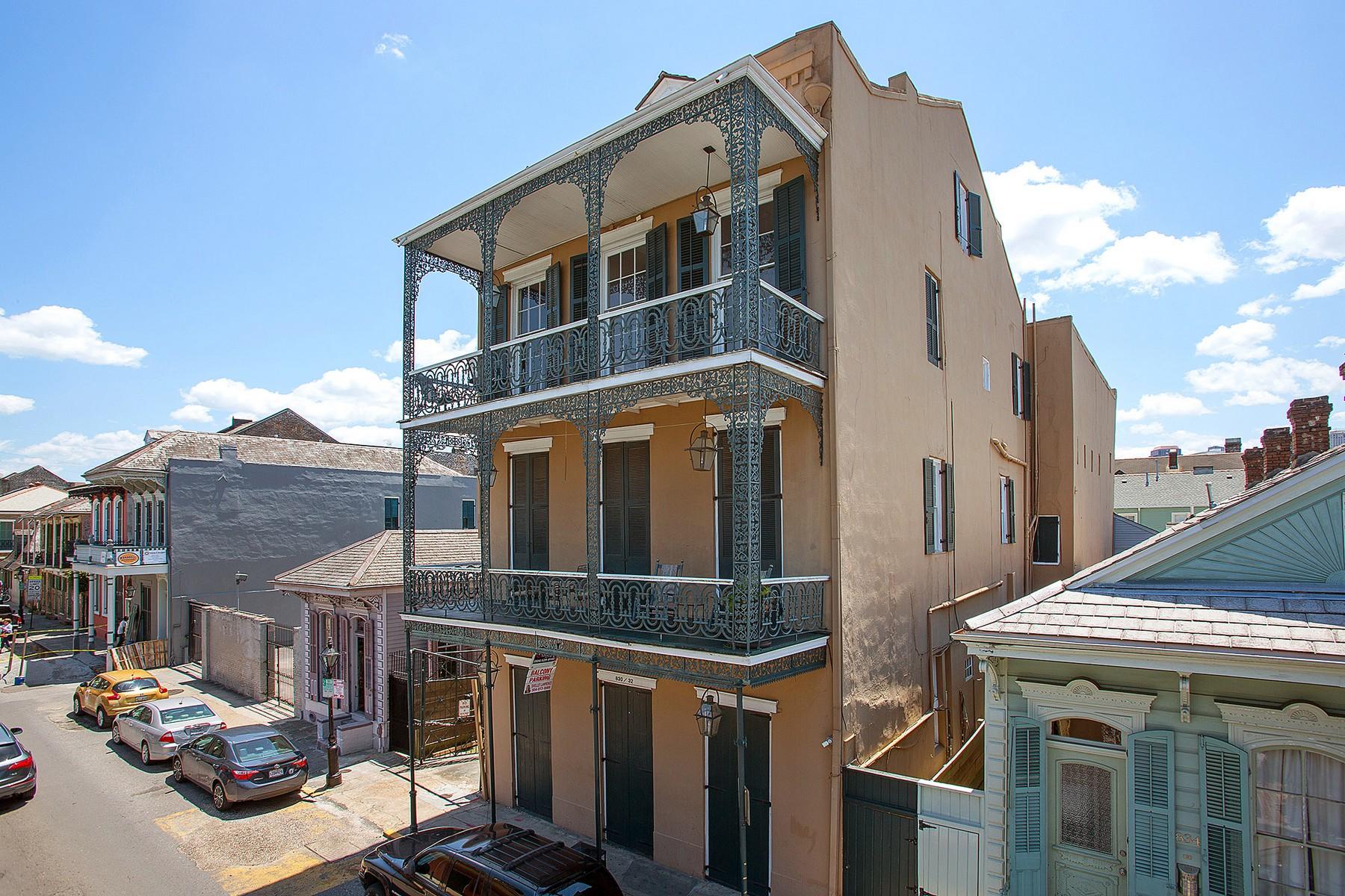 Condomínio para Venda às 830 St. Philip Street, New Orleans 830 St Philip St #I French Quarter, New Orleans, Louisiana, 70116 Estados Unidos