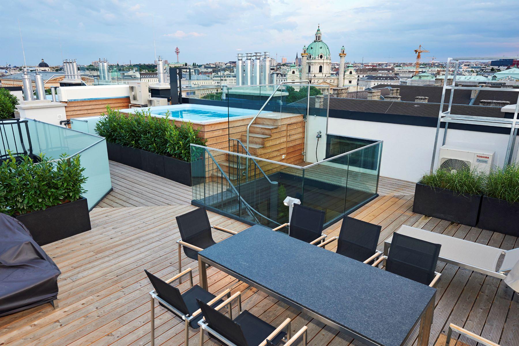 Appartement pour l Vente à Stunning Penthouse Vienna, Vienna, 1010 Austria