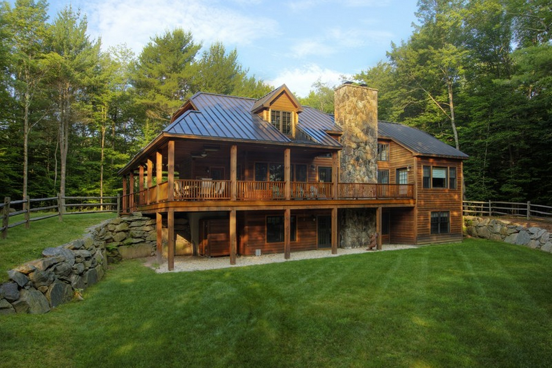 Villa per Vendita alle ore Fawn Haven Lodge at The Chapin Estate 43 Homestead Trl Bethel, New York 12720 Stati Uniti
