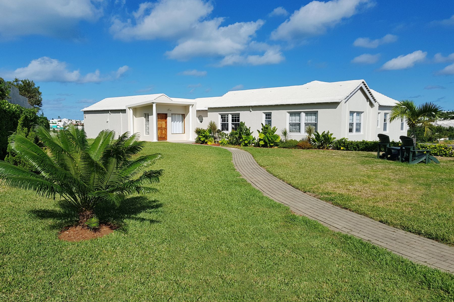 Single Family Homes for Sale at Moondance 6 Windcrest Drive Paget, Other Areas In Bermuda PG 05 Bermuda
