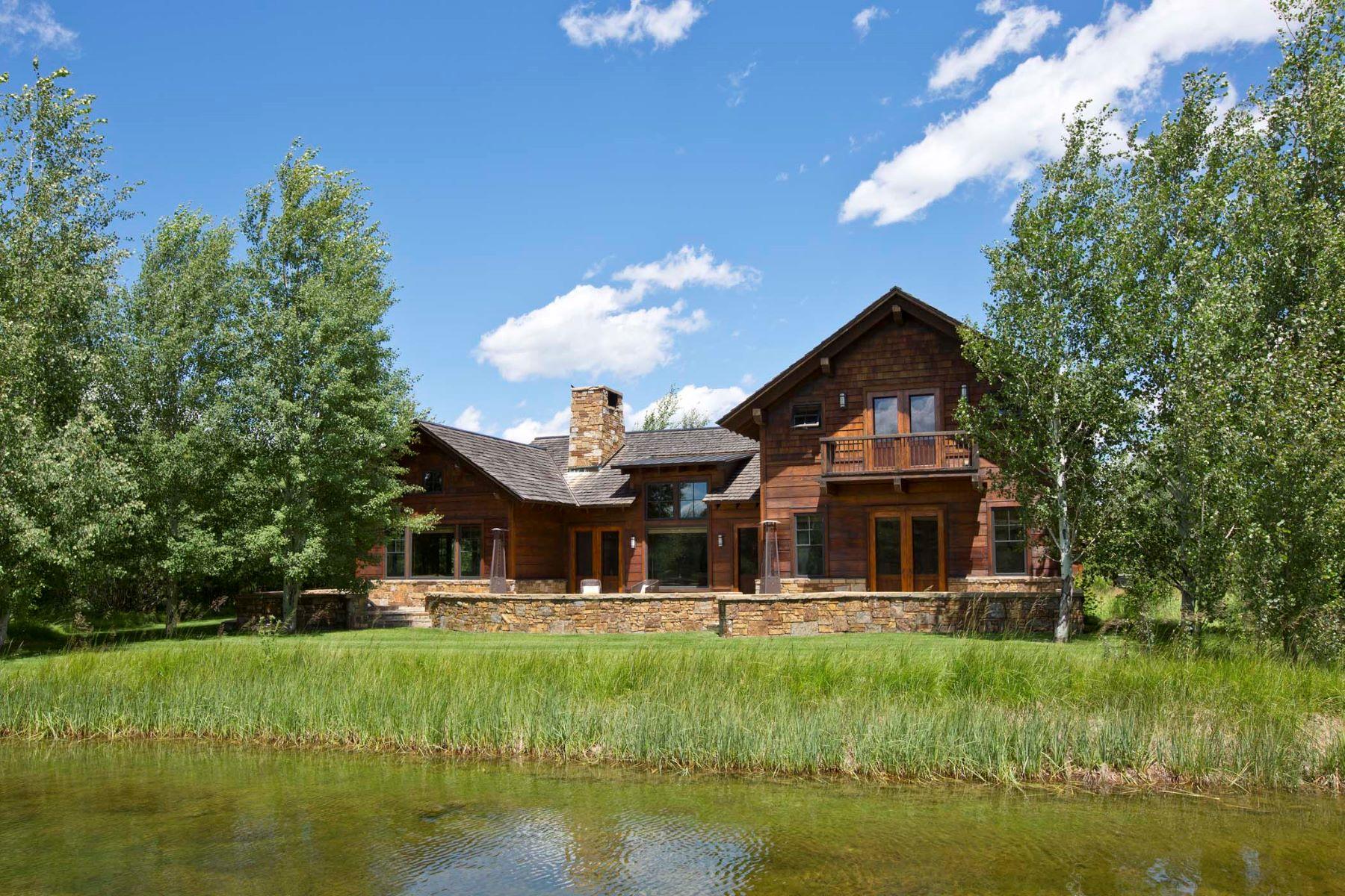 Nhà ở một gia đình vì Bán tại 3 Creek Ranch Cabin with Membership 2740 W Raptor View Lane Jackson, Wyoming, 83001 Jackson Hole, Hoa Kỳ