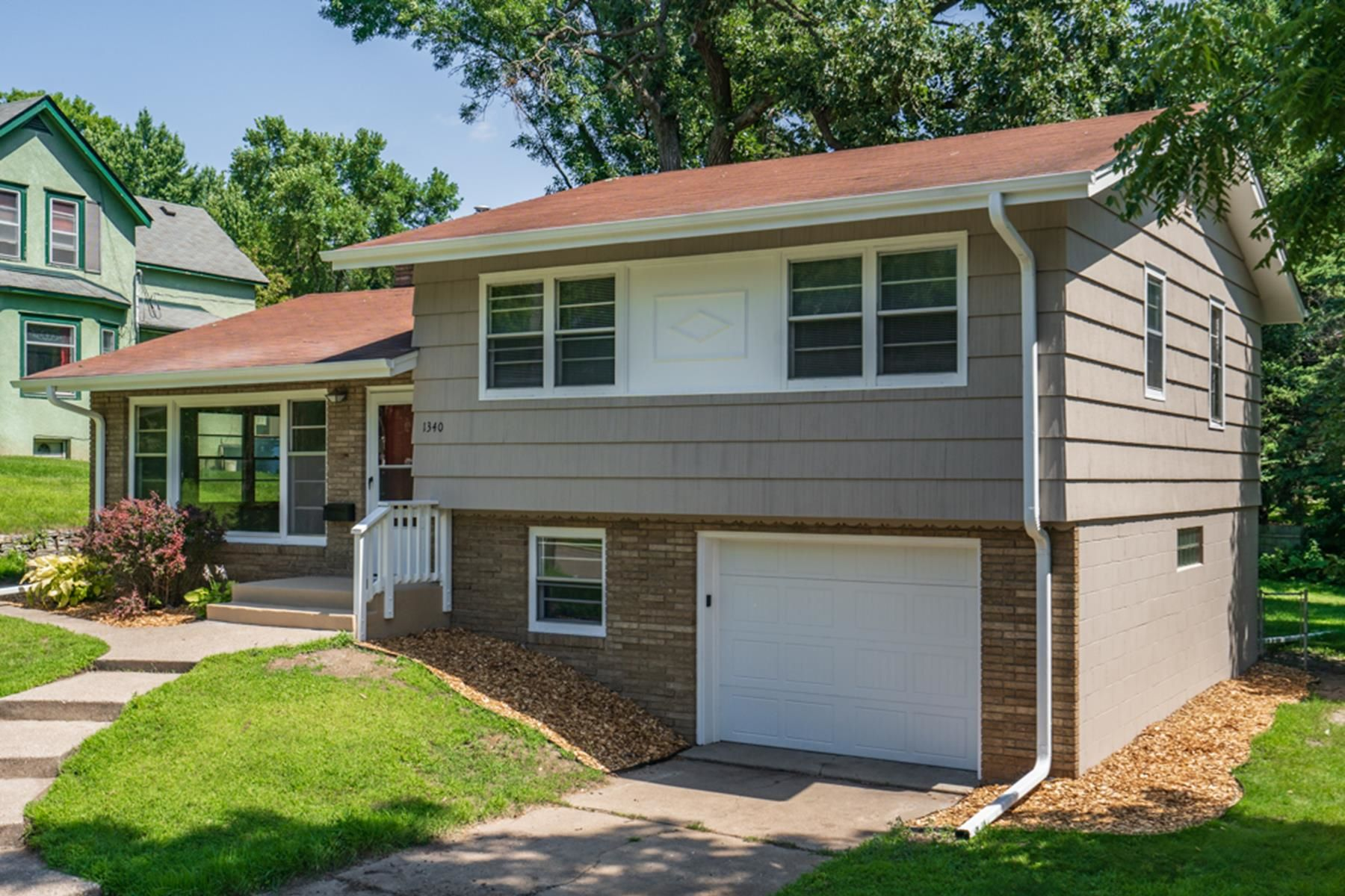 Single Family Homes voor Verkoop op West St. Paul, Minnesota 55118 Verenigde Staten