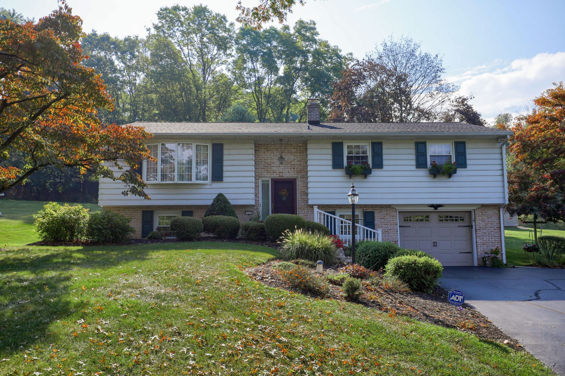 Single Family Homes for Sale at 2503 Ironville Pike Columbia, Pennsylvania 17512 United States