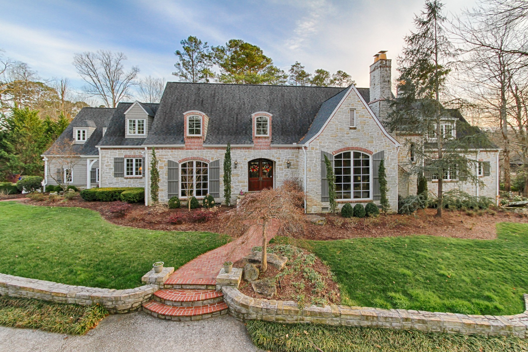 single family homes for Sale at Elegant Old-World Charm 5246 Bent River Boulevard Knoxville, Tennessee 37919 United States